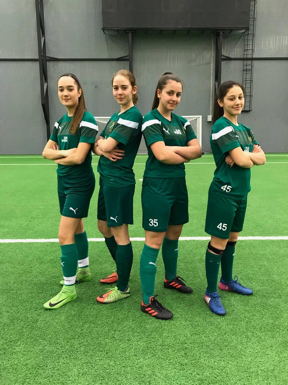 Vi välkomnar dessa fyra 03 tjejer som också kommer från laget under  damlaget och ... ff266f1252a8d